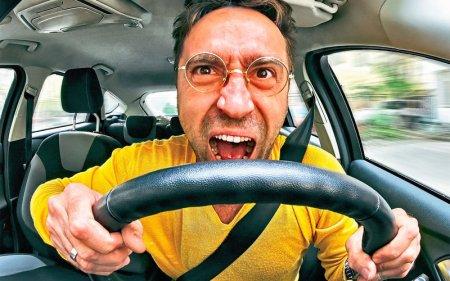 И нету других забот: Правительство внесло в Правила дорожного движения некоторые поправки, связанные с  автомобилями