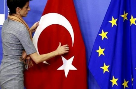 Турция вводит безвизовый режим для граждан нескольких стран ЕС